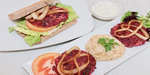 Hamburguesa de remolacha y habichuelas rojas. Apta para veganos y celíacos.