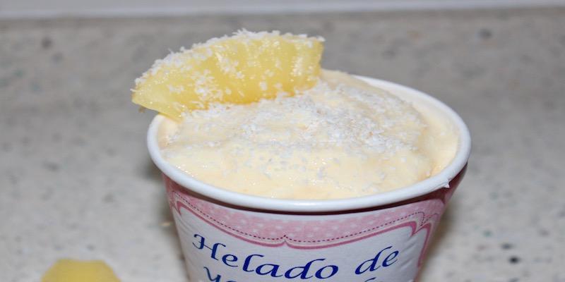 Helado de yogur de piña y coco