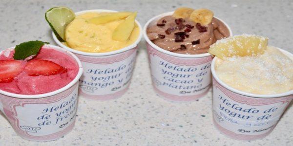 Helados de yogur y fruta sanos, ligeros y rápidos. Sin azúcar ni heladera.